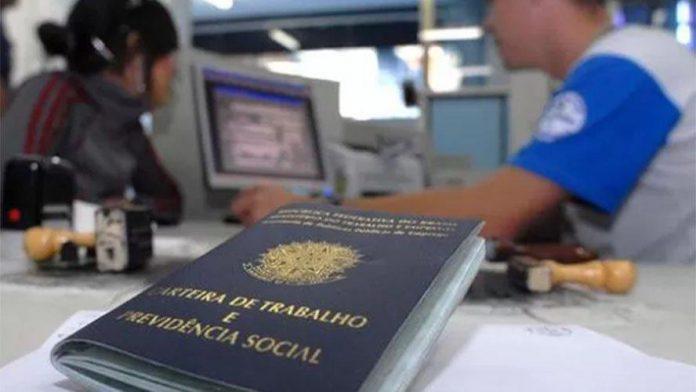 """A CNT (Confederação Nacional do Transporte) realizará, no dia 4 de maio, o webinar """"As relações detrabalhona crise da covid-19:"""