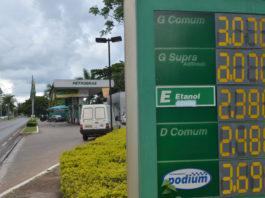 Os estados de São Paulo e Santa Catarina apresentaram o valor médio do litro mais barato da gasolina em todo país. Por outro lado, Rio de Janeiro e Acre são os estados