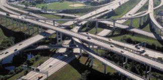 De acordo com cálculos da consultoria Inter.B., o Brasil precisaria mais que dobrar os investimentos em Infraestrutura. Para manter e modernizar portos,