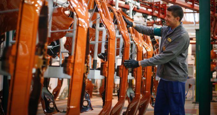 A produção industrial de São Paulo teve queda de 2,6% em novembro. O estado foi o principal fator para a queda de 1,2% da produção nacional