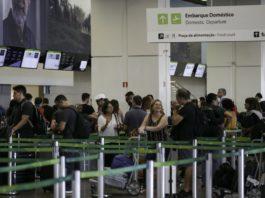 De acordo com o ministro da Infraestrutura, Tarcísio Gomes de Freitas, nesta sexta-feira (20), o fechamento de aeroportos não faz parte dos planos