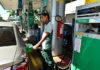 """De acordo com o presidente da Petrobras, Roberto Castello Branco, o mercado doméstico de combustíveis vive uma """"grande contração"""", por causa da crise econômica"""