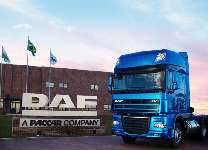 A DAF Caminhões Brasil acaba de treinar 400 profissionais da sua rede de concessionárias. Dessa forma, a montadora aproveitou o período de isolamento social