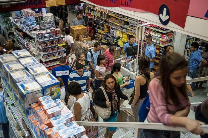 O governador de São Paulo, João Doria, decretou quarentena no estado e o fechamento do comércio para atendimento presencial no último sábado (21 de março).