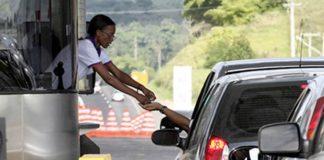 As rodovias disponibilizam as notas fiscais referentes ao pagamento de pedágios através da internet. O serviço está disonível em rodovias de todo país.
