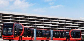 A chinesa BYD lançou, em sua sede em Shenzhen, um ônibus elétrico de 27 metros de comprimento.