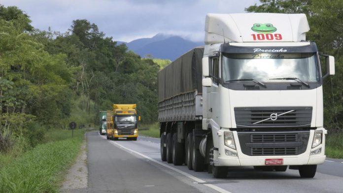 A demanda por transportes rodoviários de cargas no Brasil voltou a melhorar na última semana. Assim, atingindo o maior nível desde o final de março