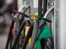 As vendas de diesel e gasolina por distribuidoras no Brasil recuaram em fevereiro ante o mesmo período de 2020. Dessa forma, revertendo uma recuperação