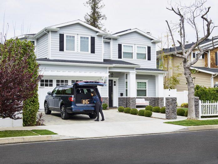 Amazon e Ford fecham parceria que permite entrega de encomendas diretamente no seu carro