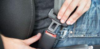 Falta de uso do cinto de segurança é a terceira infração mais comum do país