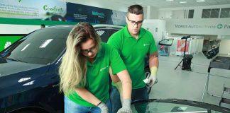 Preocupada em garantir a segurança dos motoristas e passageiros, a Pilkington se torna a primeira empresa no Brasil a realizar a calibração do ADAS