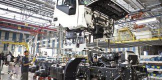 A produção de caminhões cresceu 5% no mês de abril, isso representa 131 mil unidades de caminhões. Isso em comparação com as 12,5 mil produzidas em março.