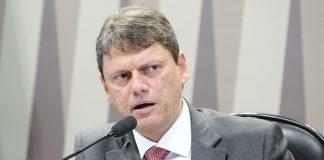 Após a repercussão dividida da nova resolução da tabela de frete, o ministro da infraestrutura, Tarcísio Freitas, afirmou que se reunirá com caminhoneiros