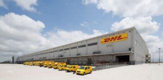 DHL objetiva que 60% da frota global de entregas ao consumidor e curta distância seja composta por veículos elétricos até 2030.
