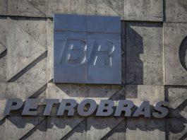 De acordo com o ministro da Casa Civil, Onyx Lorenzoni, a Petrobras pode ser privatizada. Ele afirmou que o governo realizará estudos para analisar a