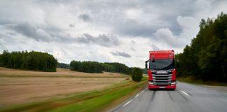 Pelo terceiro ano consecutivo, a Scania supera os concorrentes no Green Truck. O Green truck é um teste comparativo realizado pelas publicações especializadas alemãs VerkehrsRundschau e Trucker. Em síntese, reconhecendo o veículo mais eficiente em itens de consumo e emissão.