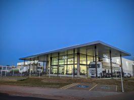 As empresas Aoki, tradicional parceiro daMercedes-Benzhá 60 anos, acabam de inaugurar nova instalação do seu concessionário em Bauru