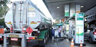 Os preços médios da gasolina e do diesel recuaram nos postos na semana encerrada na última sexta-feira, 13. Por outro lado, as cotações do etanol