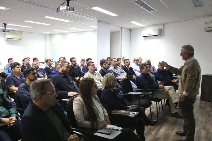 A transportadora Librelato inaugurou no último mês a Unilibrelato – Universidade Librelato - com pós-graduação - exclusivamente para seus profissionais.