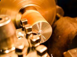 De acordo com a Confederação Nacional da indústria (CNI), através da pesquisa Sondagem Industrial, houve um recuo sem precedentes na atividade industrial