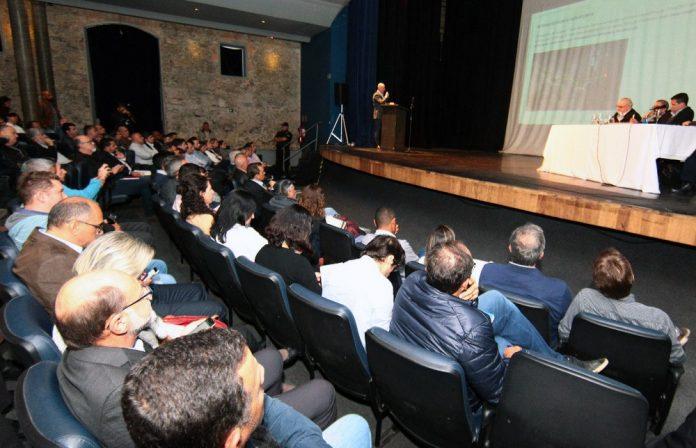 Em audiência par a licenciamento da obra de construção da ponte Santos-Guarujá, a Ecovias reconheceu a necessidade de instalação de pedágio na via