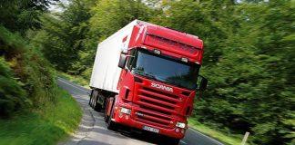 O laboratório de pesquisa da Scania, conseguiu reduzir em 39% a emissão de CO2 por tonelada transportada.