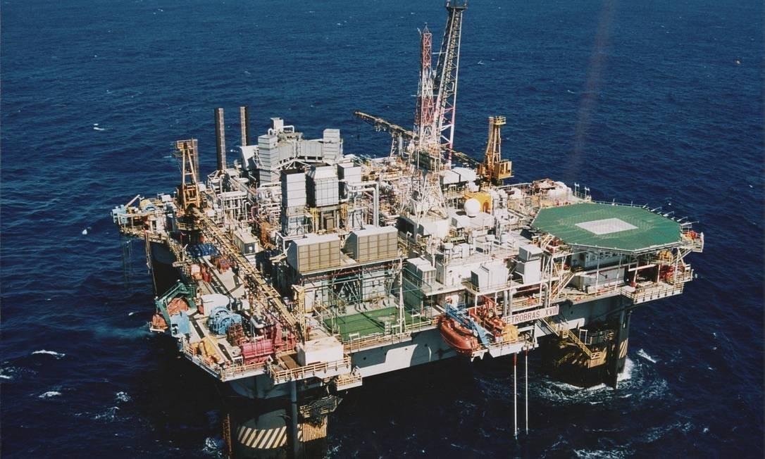 Petrobras confirma vazamento de óleo em bacia carioca