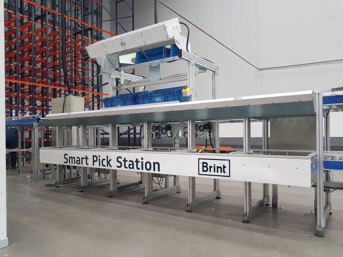 A Brint Intralogistics Solutions, empresa especializada em soluções inlogística, está lançando a Smart Pick Station Brint.O novo protudo, trata-se de uma estação de trabalho de alta performance para apoiar a separação de pedidos em centros de distribuição.