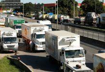 A CNI (Confederação Nacional da Indústria) propôs a criação de uma espécie de Uber para caminhoneiros. A ideia faz parte de uma série de alternativas