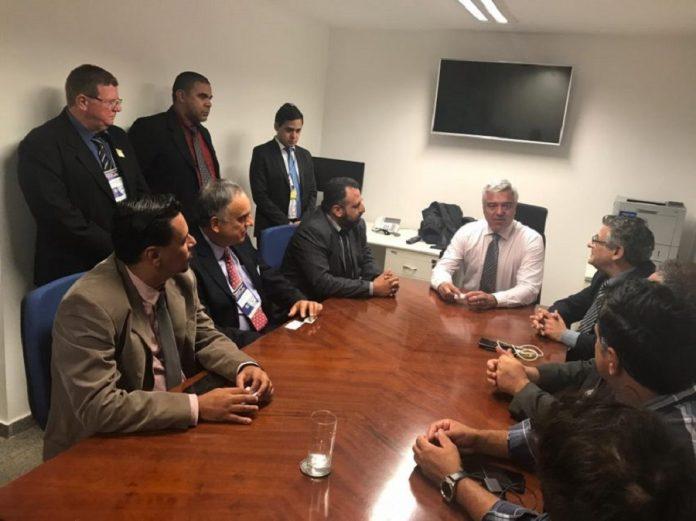 Em meio a todas as negociações sobre a tabela do frete, uma frente de parlamentares, com quase 300 integrantes, foi criada para debater o assunto.