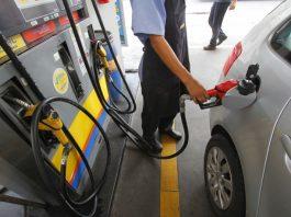 Os preços do diesel nos postos de combustíveis do Brasil recuaram 1,1% na primeira quinzena de outubro em comparação com o fechamento de setembro,