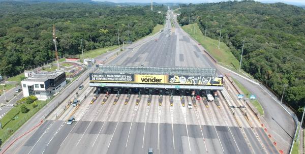 Na última terça-feira, 13, o governador do Paraná Ratinho Junior (PSD) e o ministro da Infraestrutura, Tarcisio Freitas, assinaram um acordo