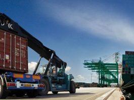 A Ellox Digital, startup do economista Lucas Moreno, promete auxiliar no gerenciamento de fretes marítimos.