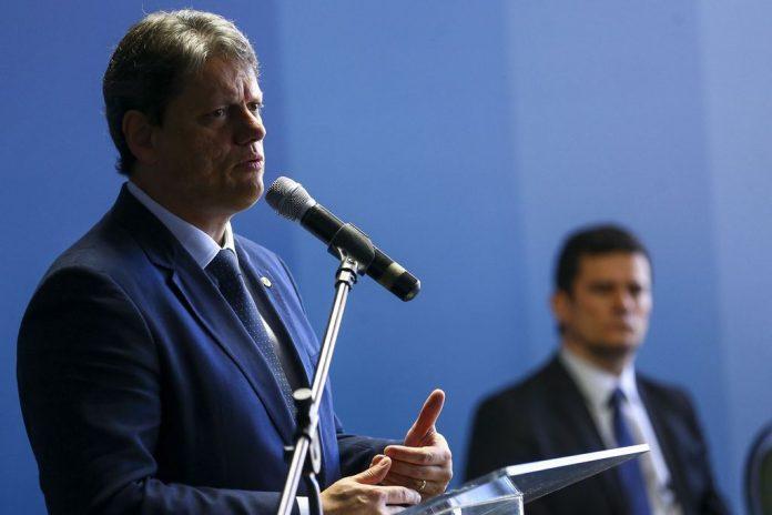O Ministro da Infraestrutura, Tarcísio de Freitas, afirmou que a tabela do frete é uma