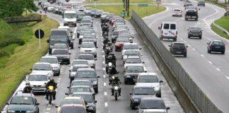 O fluxo de veículos em estradas com pedágio continuou a se recuperar em agosto.De acordo com o Índice ABCR, desenvolvido pela