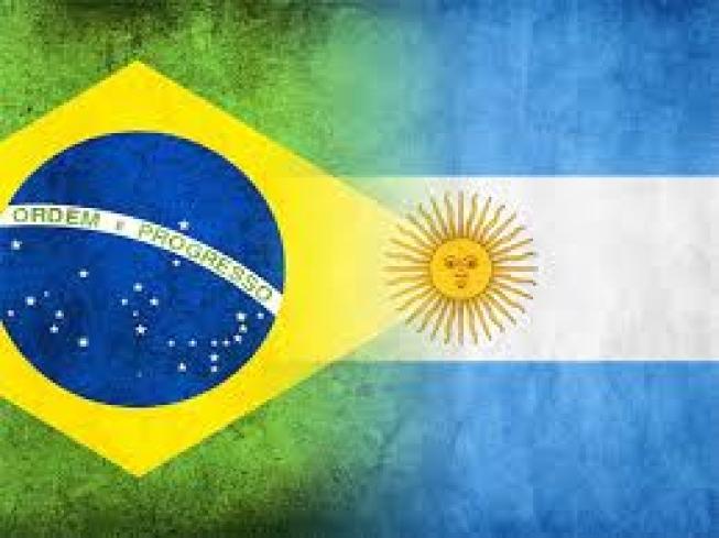 O ministro da economia, Paulo Guedes, deve anunciar hoje o acordo de livre comércio entre carros com a Argentina. Dessa forma, o acordo