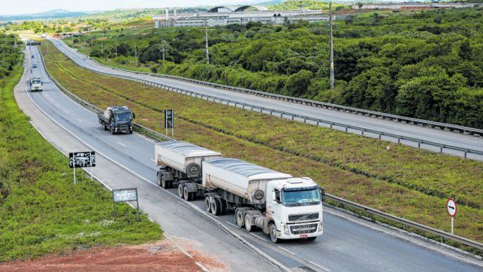 Uma reunião que será realizada esta semana definirá se aumentará o custo do frete em trajetos que passem pela BR-116 em 15% no Ceará.