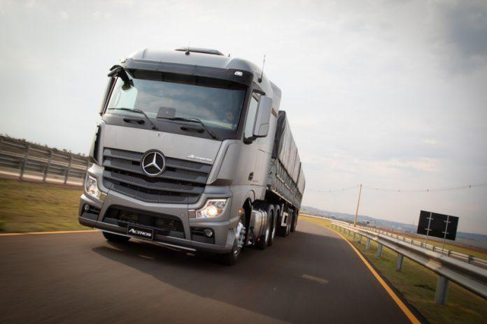 As vendas de caminhões novos no Brasil recuaram 9,4% em fevereiro em relação a janeiro. De acordo com dados da Fenabrave, foram emplacadas 6.508 unidades