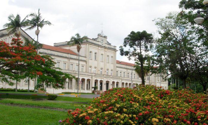 A Esalq (Escola Superior de Agricultura Luiz de Queiroz), de Piracicaba iniciou ontem, 26, o segundo ciclo de reuniões para atualizar os pisos mínimos de frete