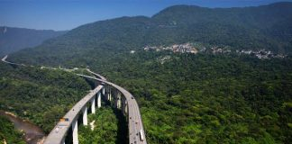 O governo está tentando viabilizar uma certificação de sustentabilidade em razão dos projetos de concessão na área de infraestrutura no Brasil.