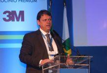 """O ministro da Infraestrutura, Tarcísio de Freitas, afirmou nesta terça-feira, 10, que """"não há limites"""" às concessões de rodovias. Segundo Freitas, o Governo"""