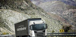 A Scania fechou uma parceria com a Cervejaria Ambev com objetivo de metas sustentáveis anunciadas pela empresa na Fenatran 2019.