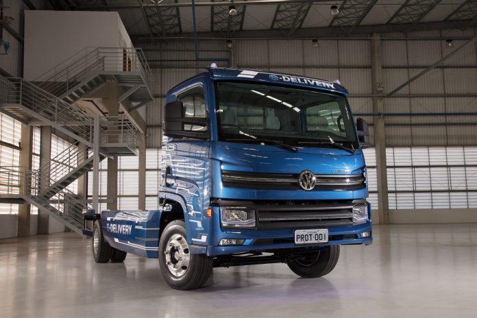 A Volkswagen Caminhões e ônibus marca presença em mais uma edição da Fenatran. Para este ano, a montadora traz como principal novidade o lançamento do e-consórcio