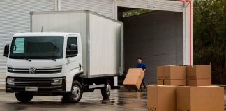 O Delivery Express, ou DLX como ficou mais conhecido, é mais um modelo VWCO presente na Fenatran 2019. Ágil nas retomadas e confortável para o motorista.