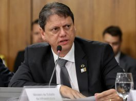 O ministro da infraestrutura Tarcísio Gomes de Freitas, afirmou, em entrevista ao R7, que deve entregar