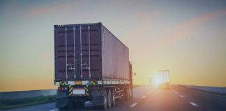 Com a aproximação do Dia das Crianças e do Natal, datas que mobilizam fortemente o comércio, o movimento de transportes de cargas, o seguro
