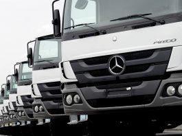 A Mercedes-Benz acaba de iniciar atendimento por WhatsApp para motoristas de caminhões e ônibus que precisarem do Service24h.