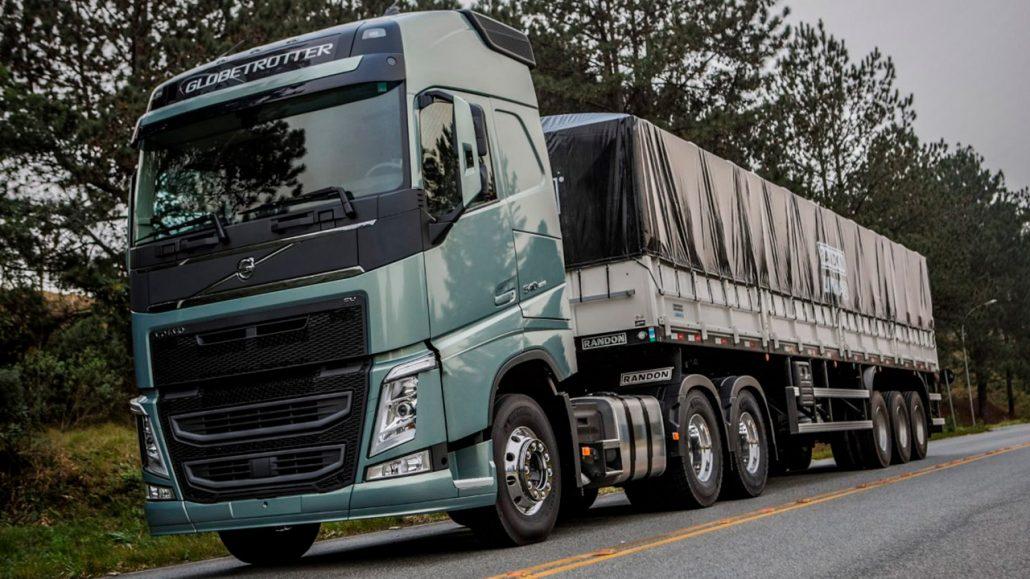 """Volvo FH 540 6x4T: eleito mais uma vez como """"Caminhão do Ano"""" e Caminhão Pesado do Ano."""