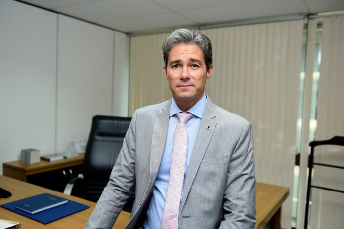 O engenheiro Frederico de Moura Carneiro é o novo diretor-geral do Departamento Nacional de Trânsito (Denatran). A nomeação foi publicada