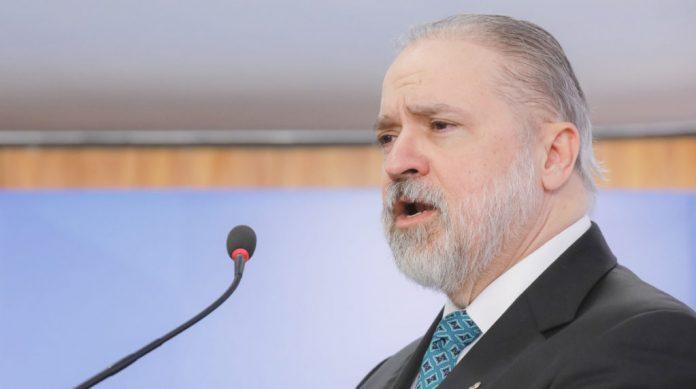 O procurador-geral da República, Augusto Aras, enviou um parecer ao ministro Luiz Fux, do Superior Tribunal Federal (STF) defendendo o fim da tabela.